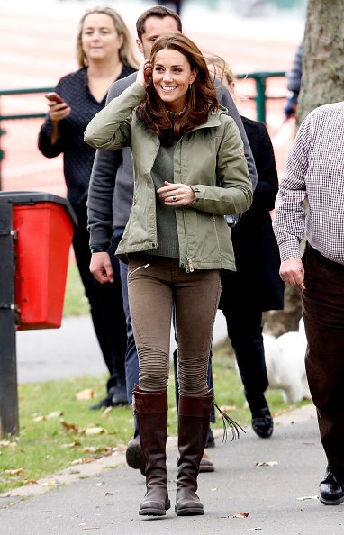 Visit「The Duchess Of Cambridge Visits Sayers Croft Forest School」:写真・画像(7)[壁紙.com]