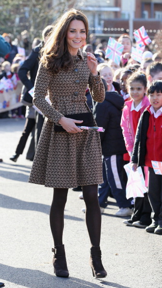 Purse「The Duchess Of Cambridge Visits Rose Hill Primary School」:写真・画像(5)[壁紙.com]