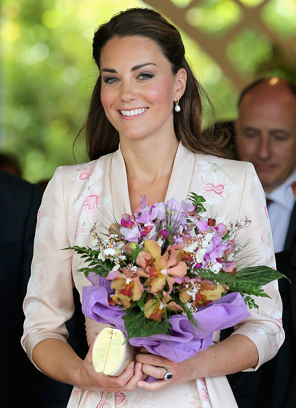 Bouquet「The Duke And Duchess Of Cambridge Diamond Jubilee Tour - Day 1」:写真・画像(12)[壁紙.com]