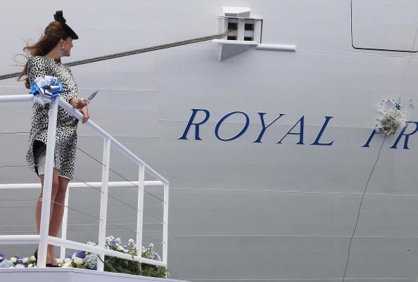 Passenger Craft「The Duchess Of Cambridge Attends Princess Cruises Ship Naming Ceremony」:写真・画像(2)[壁紙.com]