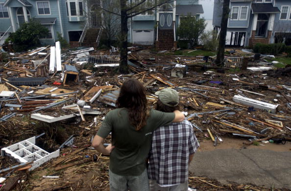 Pensacola「Gulf Coast Cleans Up After Hurricane Ivan」:写真・画像(17)[壁紙.com]