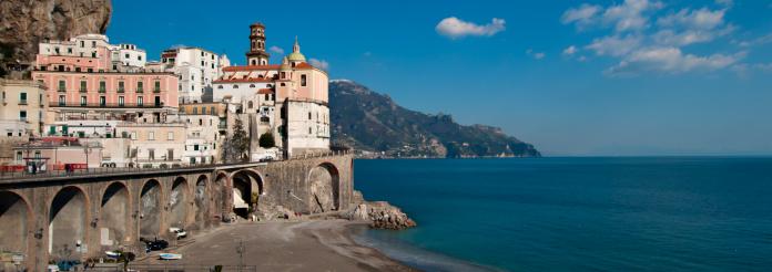 アマルフィ海岸「The town of Amalfi.」:スマホ壁紙(10)