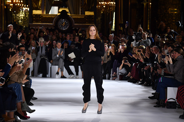 Stella McCartney - Designer Label「Stella McCartney : Runway - Paris Fashion Week Womenswear Spring/Summer 2017」:写真・画像(1)[壁紙.com]