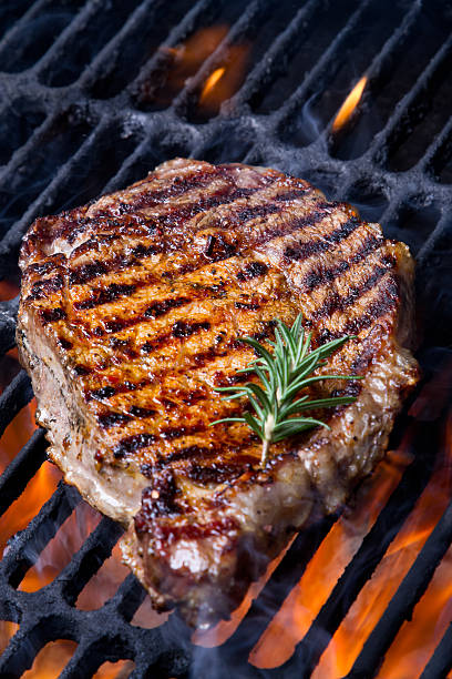 Ribeye Steak on Grill:スマホ壁紙(壁紙.com)