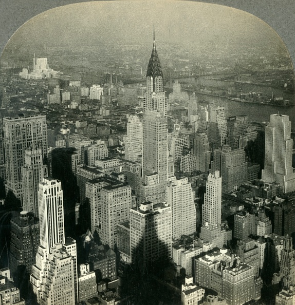 Empire State Building「Man-Made Crags And Canyons- New York City NE From Tower Of Empire State Building」:写真・画像(5)[壁紙.com]