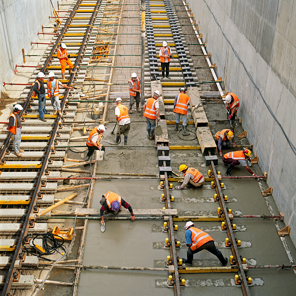 Finance and Economy「Laying rail tracks on concrete」:写真・画像(19)[壁紙.com]