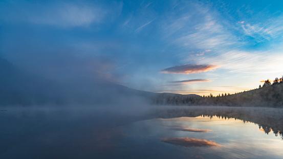 Cascade Range「morning view of mount rainier with reflection lake」:スマホ壁紙(16)