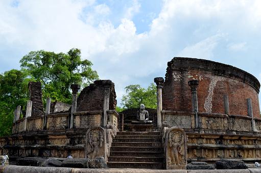 Buddha statue「Polonnaruwa Vatadage, Sri Lanka」:スマホ壁紙(10)