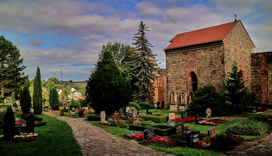 Saxony「Cementery in the Nikolai church ruins garden」:スマホ壁紙(15)