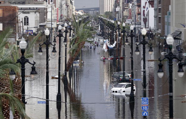 Damaged「Katrina Devastation Apparent As Toll Rises」:写真・画像(15)[壁紙.com]