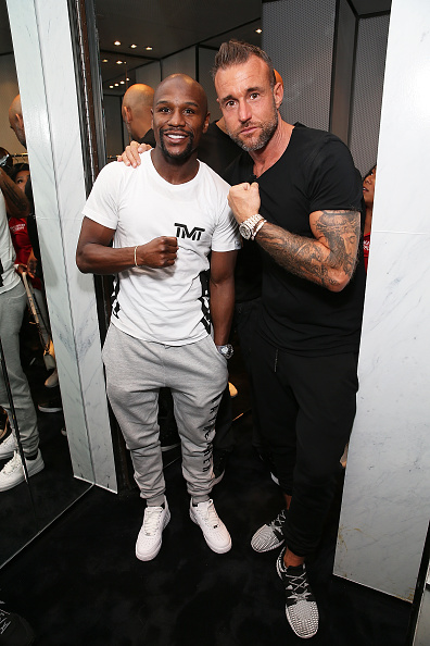 Floyd Mayweather Jr「Philipp Plein And Floyd Mayweather Together For The Mayweather vs. McGregor Historic Boxing Superfight - Fitting」:写真・画像(16)[壁紙.com]