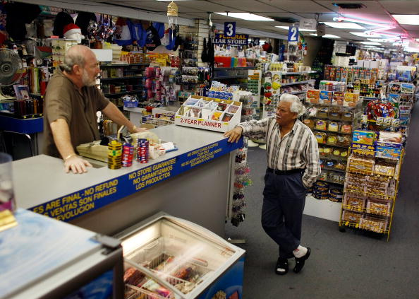 Wallet「Consumer Confidence Index Hits Lowest Level Since Record Began In 1967」:写真・画像(1)[壁紙.com]