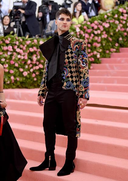 Darren Criss「The 2019 Met Gala Celebrating Camp: Notes on Fashion - Arrivals」:写真・画像(1)[壁紙.com]
