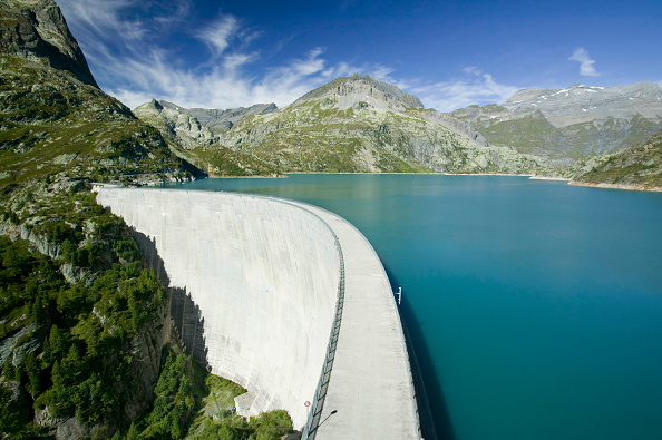 Concrete「Lake Emerson on the Swiss French border dammed to generate hydro electric power」:写真・画像(11)[壁紙.com]