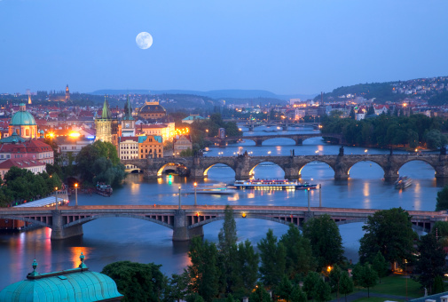 Charles Bridge「Over view of city and river.」:スマホ壁紙(10)