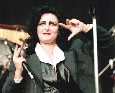 1990-1999「Siouxsie and the Banshees performing in Mountain View, Calif.」:写真・画像(9)[壁紙.com]