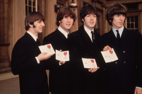 Group Of People「The Beatles MBE」:写真・画像(1)[壁紙.com]
