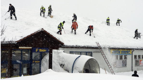 Jan Pitman「Snow Emergency In Southern Germany」:写真・画像(17)[壁紙.com]