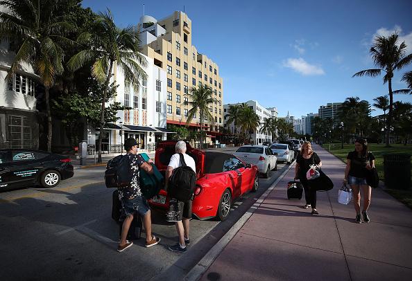 Miami Beach「Florida Begins Preparing For Hurricane Irma」:写真・画像(13)[壁紙.com]