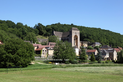 Abbey - Monastery「Saint-Amand-de-Coly, Dordogne, France」:スマホ壁紙(19)