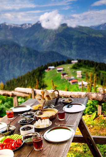 Turkish Culture「Delicious breakfast with landscape view in Pokut Plateau, Camlıhemsin, Rize, Turkey」:スマホ壁紙(10)