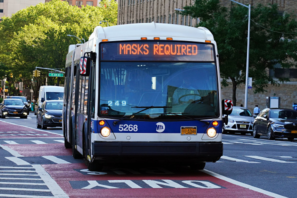 Bus「Re-opening Continues Across Densely Populated New York And New Jersey Areas」:写真・画像(11)[壁紙.com]
