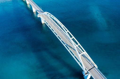 Satoyama - Scenery「Aerial shooting of a bridge over a beautiful ocean.」:スマホ壁紙(6)