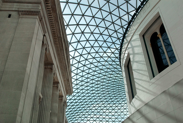 Architecture「Designed by Foster and partners, the domed glass segmented roof that covers the the Great Court and Reading Room of the British Museum, London, UK」:写真・画像(10)[壁紙.com]