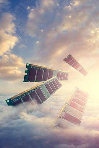 Cloud Storage「RAM modules floating above clouds」:スマホ壁紙(8)