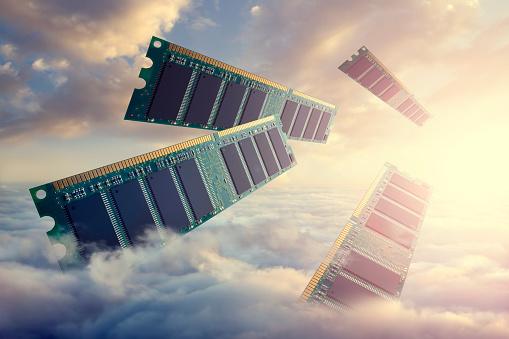 Cloud Storage「RAM modules floating above clouds」:スマホ壁紙(19)