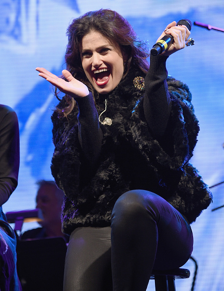 Three Quarter Length「Bloomingdale's Holiday Window Unveiling With Idina Menzel」:写真・画像(19)[壁紙.com]