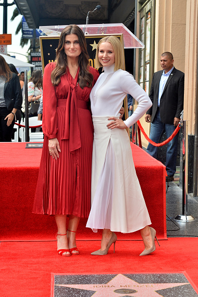 Kristen Bell「Kristen Bell And Idina Menzel Are Honored With Stars On The Hollywood Walk Of Fame」:写真・画像(15)[壁紙.com]