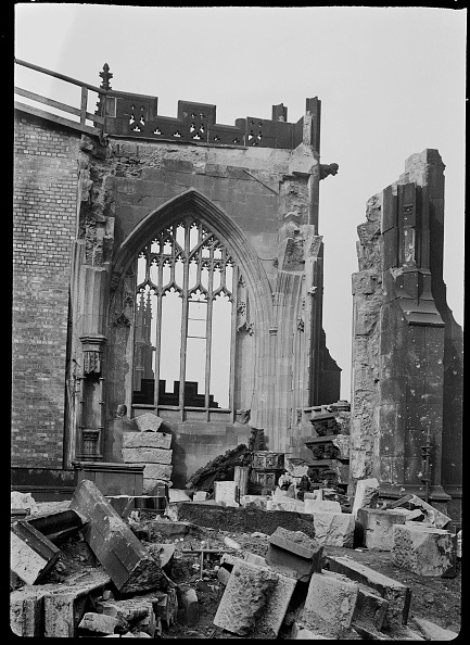Cathedral「Bomb Damage To Manchester Cathedral」:写真・画像(10)[壁紙.com]