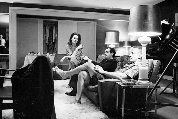 Sofa「Dr Strangelove Trio」:写真・画像(11)[壁紙.com]