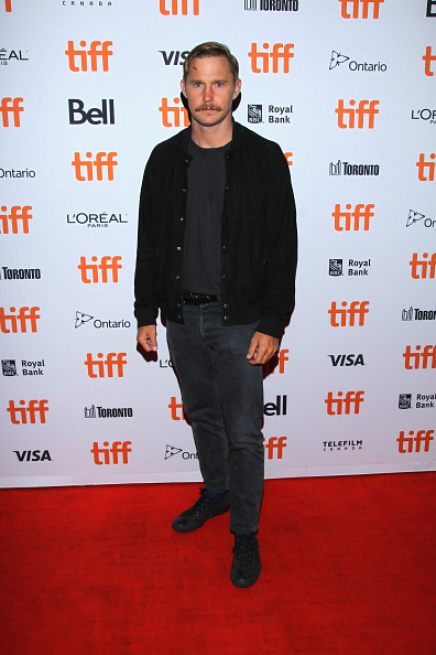 "Fully Unbuttoned「2018 Toronto International Film Festival - ""The Standoff At Sparrow Creek"" Premiere」:写真・画像(4)[壁紙.com]"