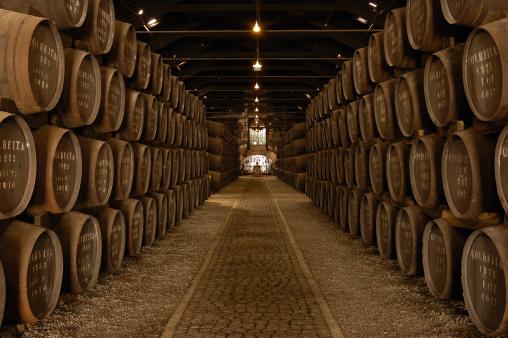 Basement「Rows of Barrels in a Large Wine Cellar」:スマホ壁紙(15)