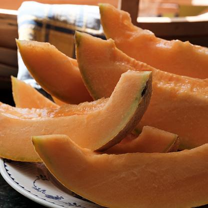 メロン「Slices of cantaloupe」:スマホ壁紙(2)
