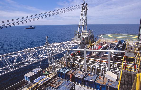 Giles「Oil drilling in the Caspian Sea, Azerbaijan」:写真・画像(4)[壁紙.com]