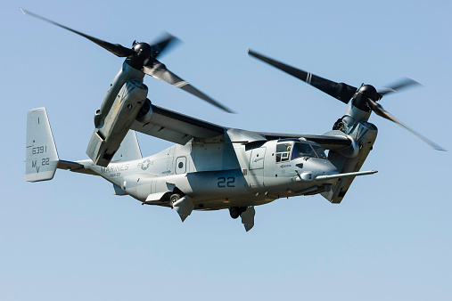 Propeller「A U.S. Marine Corps V-22 Osprey transitions to wingborne flight at RAF Fairford, England.」:スマホ壁紙(8)