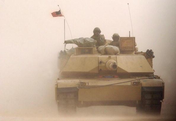 Desert Area「U.S. Marines Train In Kuwait For Possible War With Iraq」:写真・画像(3)[壁紙.com]