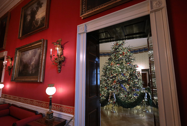 Christmas「Holiday Decorations On Display At The White House」:写真・画像(3)[壁紙.com]