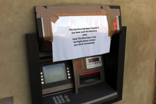 White Collar Crime「Compromised ATM」:写真・画像(1)[壁紙.com]