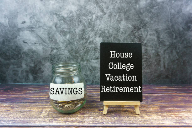 Coins Inside The Jar with Savings text and word of House, College, Vacation and Retirement on black board. Saving & Financial Concept and Backgrounds. Jar, Coin, Currency, Savings, Cut Out:スマホ壁紙(壁紙.com)