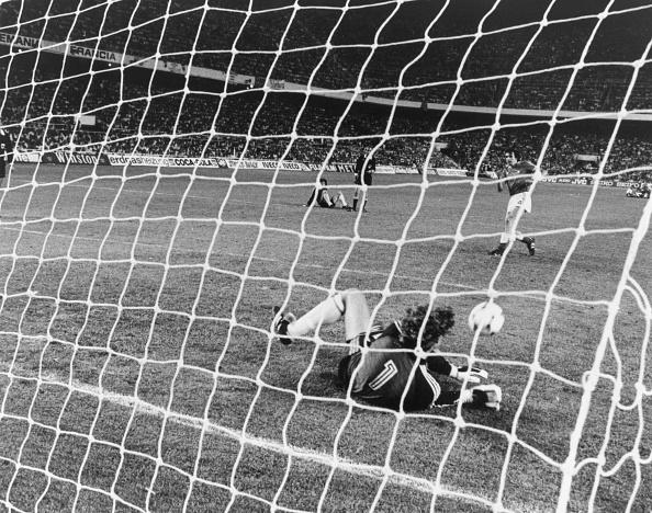 France「Saving Penalty」:写真・画像(18)[壁紙.com]