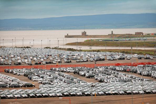 Greenhouse Gas「New Suzuki cars and vans parked at Avonmouth docks near Bristol, UK」:写真・画像(11)[壁紙.com]