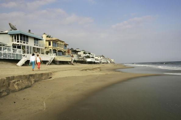 Coastline「Music Mogul David Geffen Gives Beach Access To Public」:写真・画像(5)[壁紙.com]