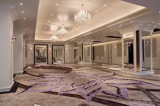 Luxurious Ballroom:スマホ壁紙(壁紙.com)