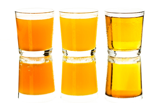 Apple Juice「Glasses of fruit and multivitamin juices on white background, close up」:スマホ壁紙(17)