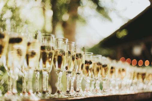 Pemberton「Glasses Of Champagne In A Row」:スマホ壁紙(6)