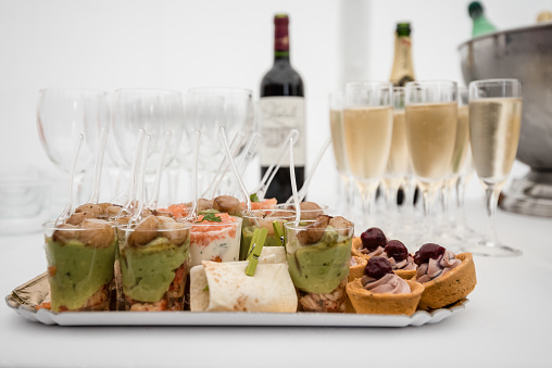 Buffet「Glasses of champagne and selection of savory petits fours」:スマホ壁紙(1)